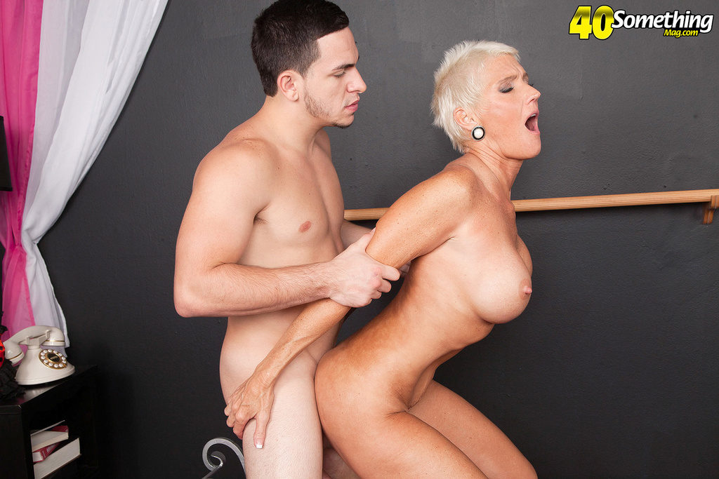 Old women fucked in the kitchen by youngster 6