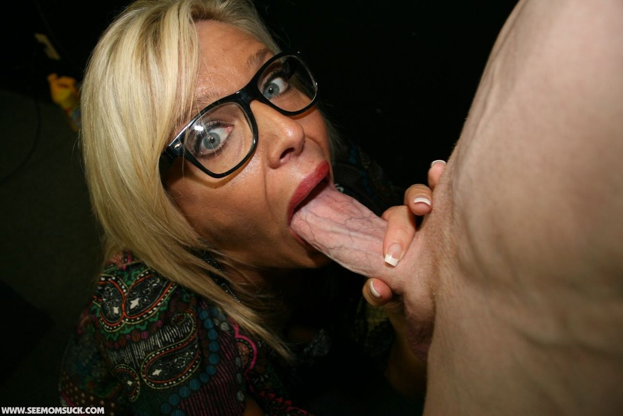 Milf squirts from her tit and pussy 6