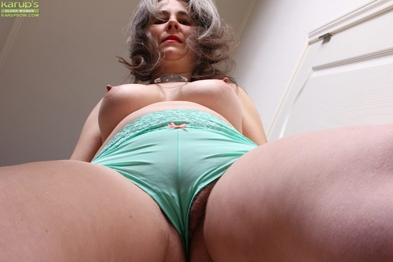 Granny has a nice bush between her thick thighs from Karups Older Women