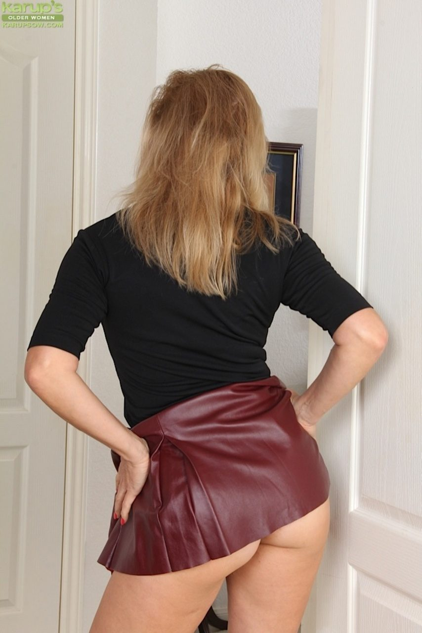 leather skirt FREE videos found on XVIDEOS for this search. mediacrucialxa.cf ACCOUNT Join for FREE Log in. Search. 5 min Purple-sex - k Views - HD. Nina Elle Pays Family Back. Blonde girl in black leather skirt and leather 5 min k Views - Wetlook dress sex.
